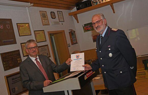 Wechsel in der Feuerwehrführung: Gemeindebrandmeister Dieter Sebode verabschiedet