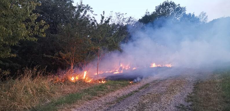Kreisfeuerwehr Schaumburg warnt vor Brandgefahren durch trockenes Wetter.