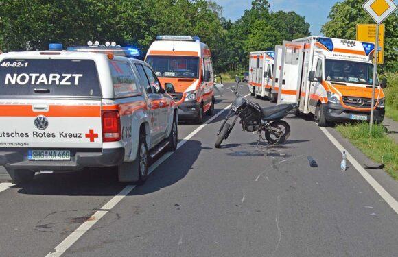 Bückeburg: Krad kracht in Auto