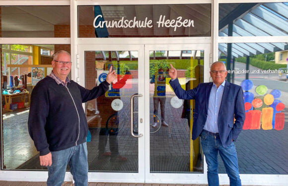 Hartmut Krause besucht Grundschule Heeßen