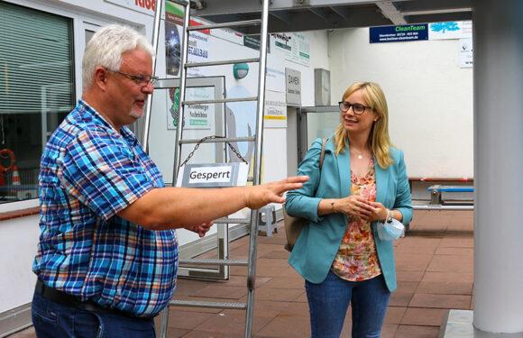 Bäderbetrieb unter Pandemiebedingungen: Marja-Liisa Völlers besucht Sonnenbrinkbad Obernkirchen