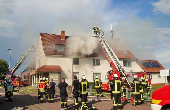 Brandbekämpfung schwierig: 137 Feuerwehrleute bei Großeinsatz in Haste