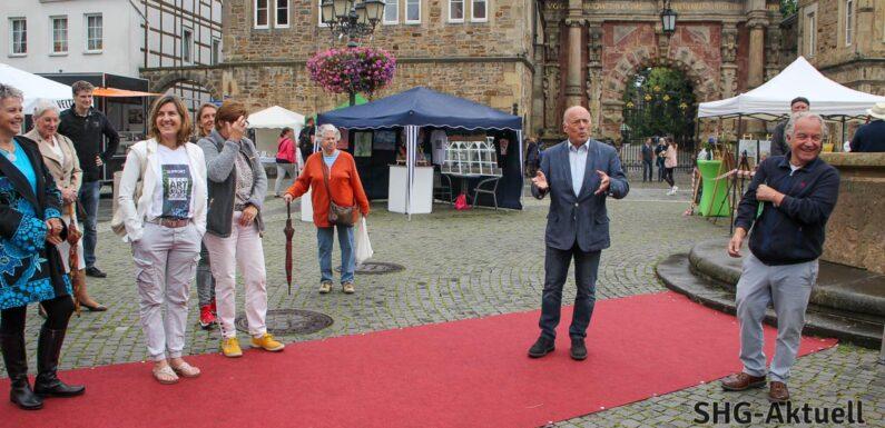 """Kunstmarkt in Bückeburg: Pilot-Veranstaltung """"OpenArt"""" erfreut sich großer Resonanz"""
