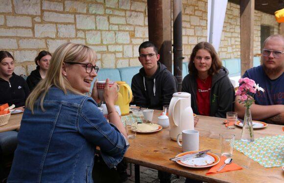 Wie wird man eigentlich Abgeordnete? Völlers stellt sich den Fragen von Jugendlichen der Kirchengemeinde Bad Eilsen & Steinbergen