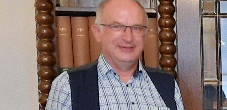 Grundschule Im Petzer Feld: Hausmeister Bernd Schmöe feiert 25-jähriges Dienstjubiläum