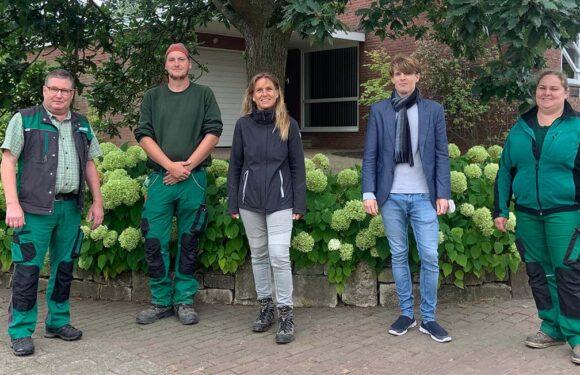Ausgeklügeltes Wassermanagement: Katja Keul besucht Baumschule Röhler in Heuerßen