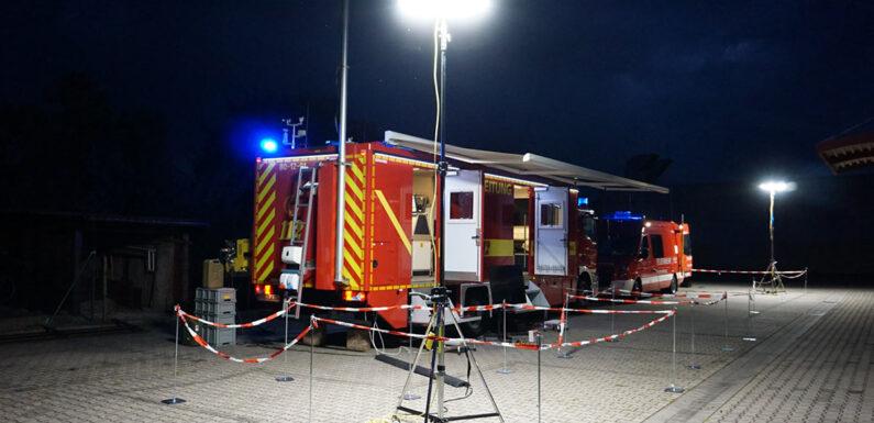 Alarmübung für Fernmeldezug am Feuerwehrhaus Stadthagen