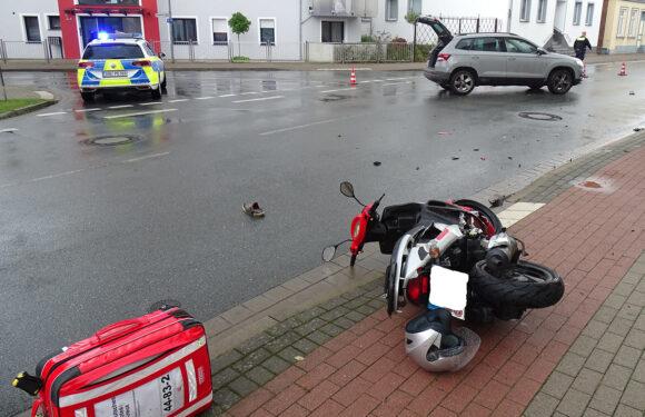 Unfall zwischen PKW und Motorroller