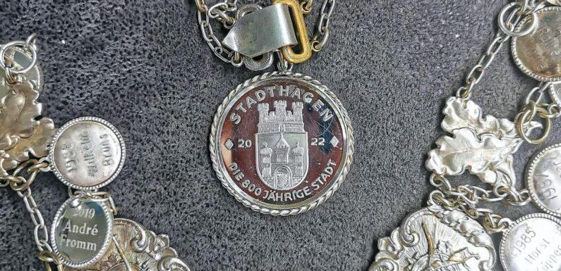 Stadthagen: Jubiläumsmedaille wird Bestandteil von Rottmeister-Kette
